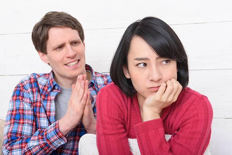 夫や妻の浮気が発覚!弁護士に相談するべきタイミングとは