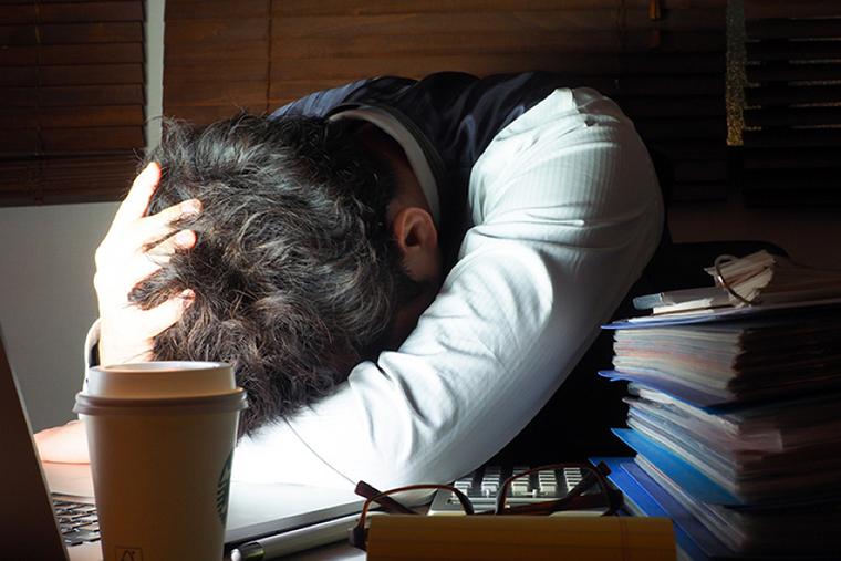 会社の倒産の予兆やタイミング|給与遅配や減額で困っている方へ